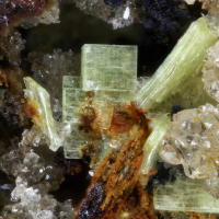 Metanováčekite & Zeunerite